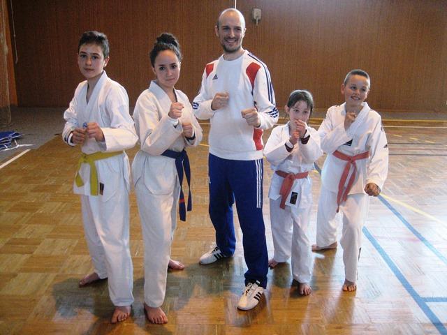 Le club de Taekwondo de Sarreguemines - Lorraine:  Stage combat à Valmont.